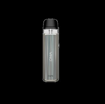 Vinci Pod Kit e' la sigaretta elettronica piccola e sottile con batteria integrata 800 mha e pod mod usa e getta . Ideale per un tiro di guancia.